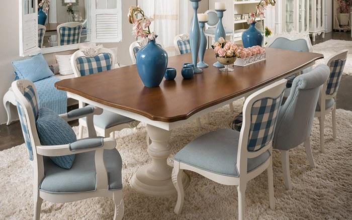 Mix de Cadeiras na Sala de Jantar