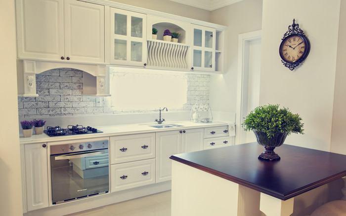 Beleza e funcionalidade resumem esta cozinha em poucos metros quadrados