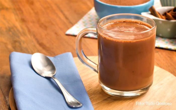 Como fazer um chocolate quente cremoso de forma simples e fácil