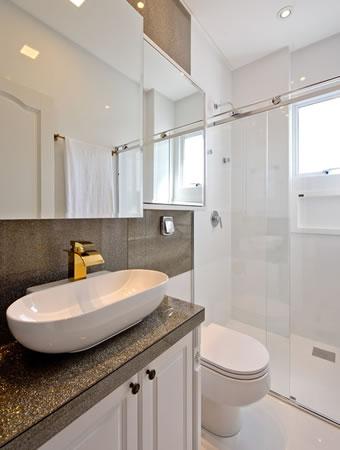 Banheiro elegante clean