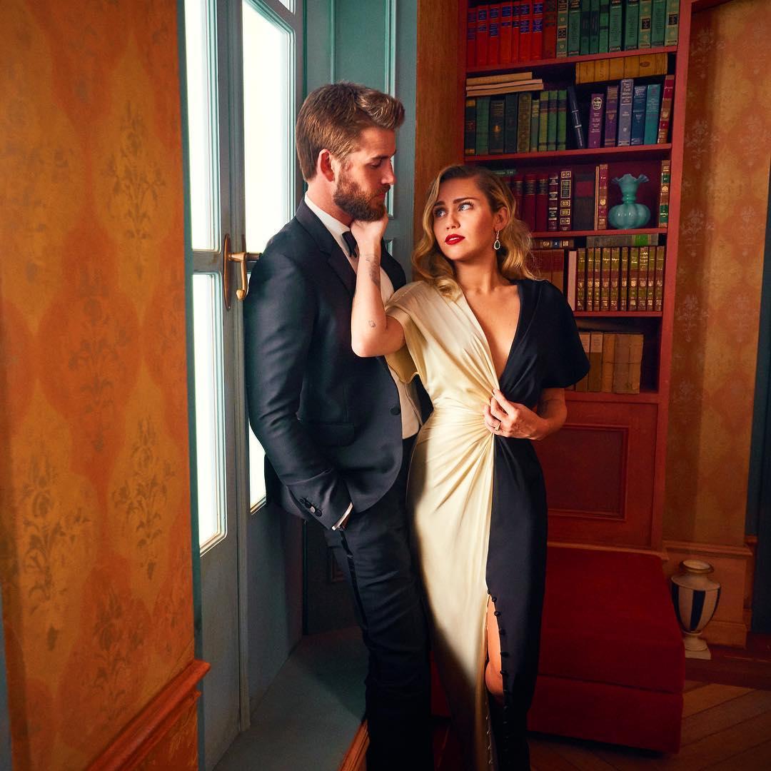 O ator Liam Hemsworth e a cantora Miley Cyrus