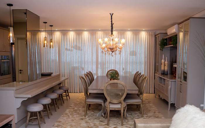 Cozinha Integrada com Espaço de Jantar