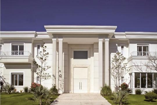 Constru��o moderna inspirada no estilo neocl�ssico