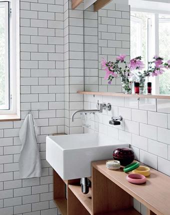 Revestimento Metro White no banheiro