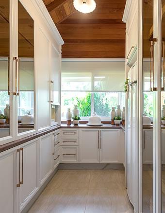 Cozinha luxuosa repleta de detalhes